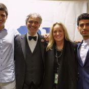 Andrea Bocelli: Sharon Stone, admirative, se joint à ses fils à l'Hollywood Bowl