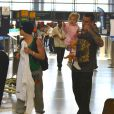 Pink, habillée de façon décontractée, était le 16 juin dernier à l'aéroport de Los Angeles avec son mari Carey Hart et sa fille Willow. Comme ses parents, la petite fille portait un jogging.