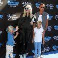 """""""Gwen Stefani et Gavin Rossdale avec leurs fils Kingston et Zuma à la première de """"Monsters University World"""" à """"El Capitan Theater"""" à Hollywood, le 17 juin 2013."""""""