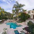 Arnold Schwarzenegger a vendu sa sublime maison de Los Anges après deux ans sur le marché, pour la somme de 12,9 millions de dollars.