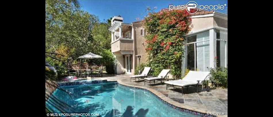 La chanteuse anglaise Leona Lewis a vendu sa sublime demeure de Los Angeles en vente pour 2 millions de dollars.