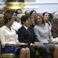 Le jeune Felipe Froilan entre sa mère Elena et sa tante Cristina d'Espagne. La famille royale d'Espagne rassemblée à la chapelle du palais pour un service religieux commémorant le centenaire de la naissance de Don Juan de Bourbon, comte de Barcelone, père de l'actuel roi Juan Carlos Ier d'Espagne. Outre le roi, la reine Sofia, le prince héritier Felipe, la princesse Letizia, la princesse Elena, ou encore les princesses Pilar et Margarita, la princesse Cristina y assistait. Sa première apparition depuis octobre 2011 et l'éclatement du scandale Noos dans lequel son mari Iñaki Urdangarin a été mis en examen.