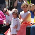 """Jennifer Lopez avec son petit ami Casper Smart et sa fille Emme Anthony à la remise de l'étoile de Jennifer Lopez sur le """"Walk of Fame"""" à Hollywood, le 20 juin 2013."""