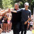 Exclusif - Le groupe anglais One Direction acclamé par leurs fans devant leur hôtel à Atlanta, le 21 juin 2013.