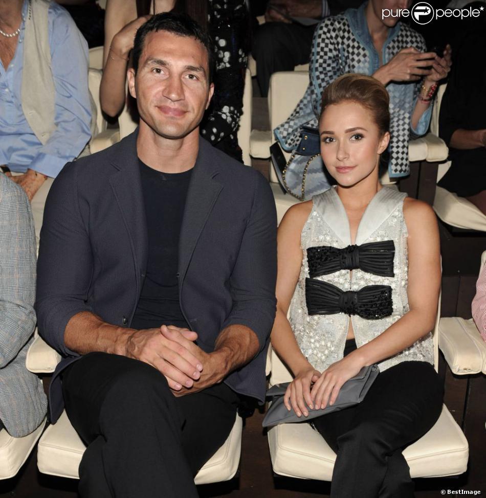Wladimir Klitschko et sa fiancée Hayden Panettiere, au premier rang du défilé Giorgio Armani printemps-été 2014 à Milan. Le 25 juin 2013.