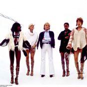 Douze Clodettes en détresse : Les danseuses de Claude François ne décolèrent pas