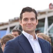 Henry Cavill : Superman en couple avec Kaley Cuoco (Big Bang Theory) ?