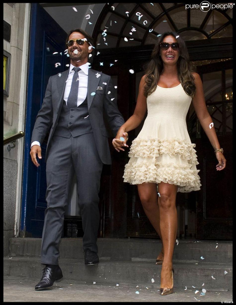 Tamara Ecclestone et son mari Jay Rutland quitte le Kensington and Chelsea Registry office de Londres le 1er juillet 2013 après s'être officiellement mariés