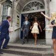Tamara Ecclestone et son mari Jay Rutland quitte leKensington and Chelsea Registry office de Londres le 1er juillet 2013 sous les regards de Petra Ecclestone et son époux James Stunt