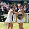 Marion Bartoli et son adversaire Sabine Lisicki lors de la finale de Wimbledon. Londres, le 6 juillet 2013.