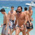 Andrea Pirlo profite de ses vacances en compagnie de sa femme Deborah Roversi et leurs deux enfants, Niccolo et Angela, à Ibiza, le 8 juillet 2013