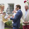 La princesse Victoria de Suède fêtait son 36e anniversaire le 14 juillet 2013 à Solliden, la résidence royale sur l'île d'Öland, en compagnie du roi Carl XVI Gustaf, de la reine Silvia, du prince Daniel et de leur fille la princesse Estelle, qui a encore une fois charmé le public.