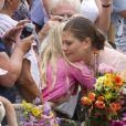 36e anniversaire de la princesse Victoria de Suède , le 14 juillet 2013 à Solliden, la résidence royale sur l'île d'Öland, en compagnie du roi Carl XVI Gustaf, de la reine Silvia, du prince Daniel et de leur fille la princesse Estelle, qui a encore une fois charmé le public.