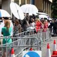 La température est montée de plusieurs crans le 22 juillet 2013 devant l'hôpital St Mary, à Londres, alors que Kate Middleton a été admise dans la matinée pour son accouchement.