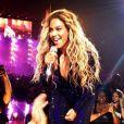 Durant son concert au Gwinnett Center dans la ville de Duluth près d'Atlanta, Beyoncé interprète Irreplaceable et demande à ses fans de chanter avec elle. Un d'entre eux, trop occupé à la filmer, reçoit de strictes consignes de la star. Le 12 juillet 2013.