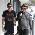Exclu - Evan Rachel Wood, enceinte, et son mari Jamie Bell font du shopping à Malibu, le 20 juillet 2013.