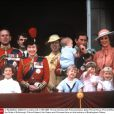 La famille royale britannique au balcon de Buckingham Palace le 17 juin 1985 pour Trooping the Colour.