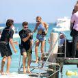 Nicole Richie, ravissante vacancière à Saint-Tropez, se rend au Club 55. Le 25 juillet 2013.