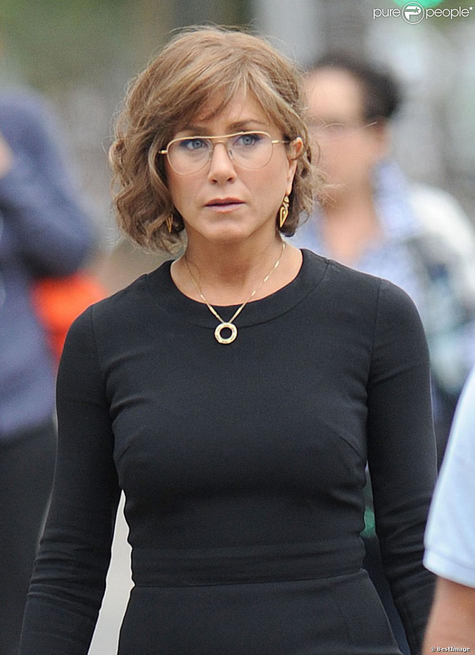 Jennifer Aniston : Sexy ou sévère, elle brille devant la ...