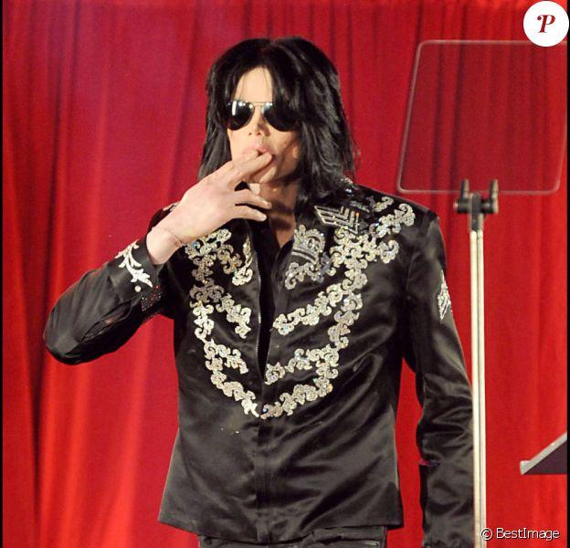 Michael Jackson annonce une série de concerts au mois de juillet 2009 à Londres, le 5 mars 2009, quelques mois avant sa mort.