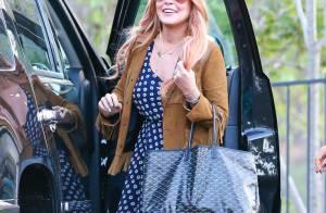 Lindsay Lohan : Souriante mais bizarrement stylée, elle sort enfin de rehab !
