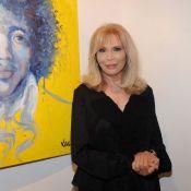 Amanda Lear : La nouvelle reine du théâtre est aussi peintre !