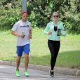 Ireland Baldwin et son petit ami Slater Trout font leur jogging dans Central Park à New York, le 24 juillet 2013.