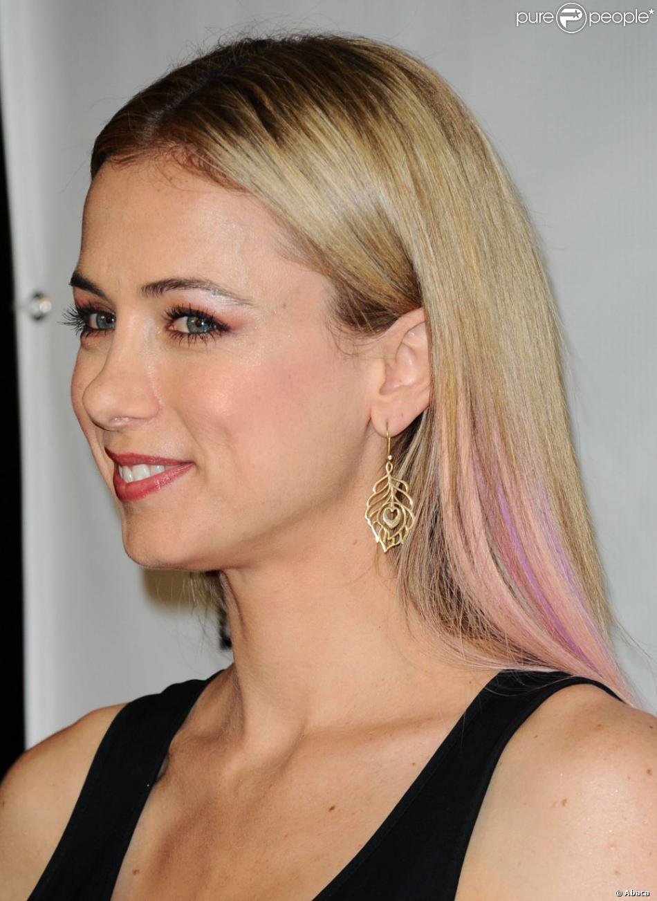 iliza shlesinger war paint dating website Iliza vie shlesinger is an american comedian she was the 2008 winner of nbc's last comic standing and went on to host the syndicated dating show  war paint, was.