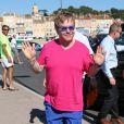 Elton John à Saint-Tropez avec son mari David Furnish après son operation de l'appendicite le 12 août 2013