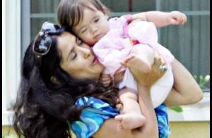 PHOTOS EXCLUSIVES : Salma Hayek, loin de son ex, elle regarde grandir sa petite fille !