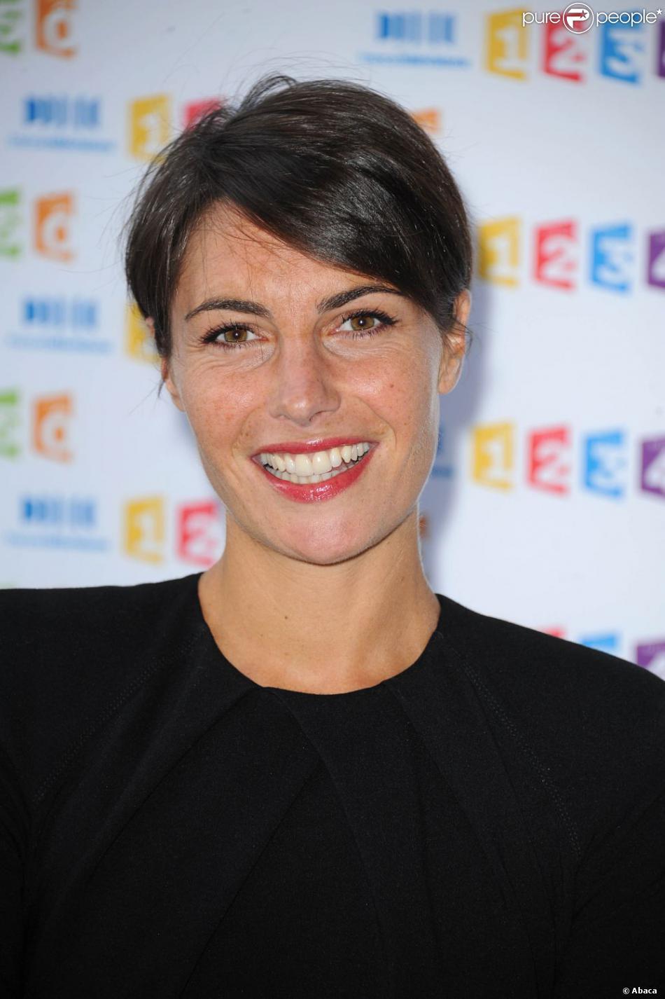 Alessandra Sublet arrive à la conférence de presse de France Télévisions à Paris, le 31 août 2011.