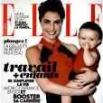 Alessandra Sublet pose avec sa fille Charlie en couverture du magazine Elle, le 12 avril 2013.