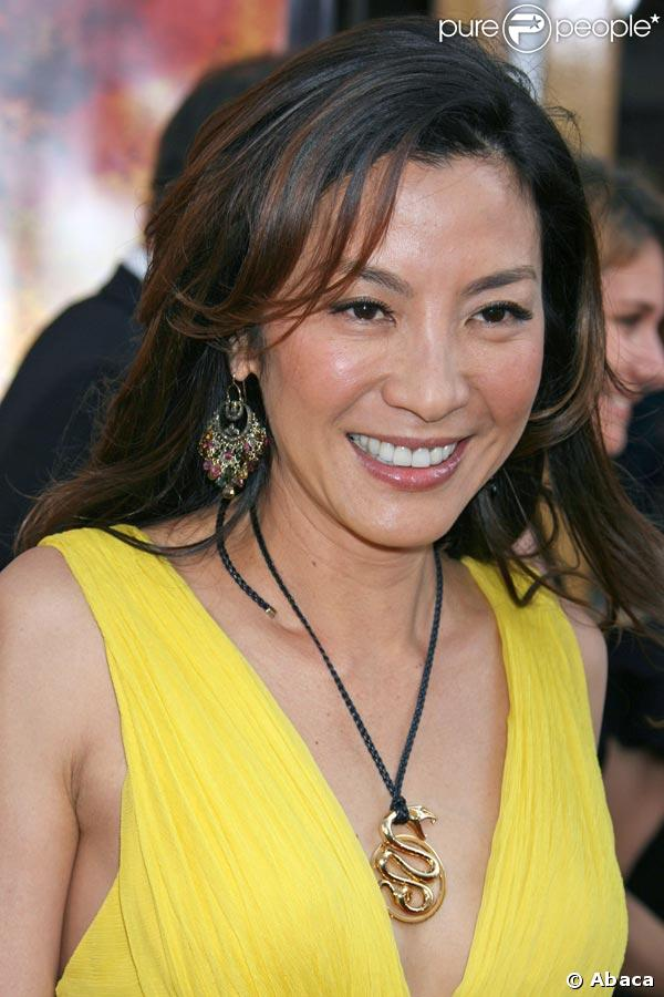 Michelle Yeoh - Wallpaper Gallery