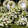 Des fleurs blanches ont accompagné le prince Friso d'Orange-Nassau, mort à 44 ans, vers le repos éternel, lors de ses obsèques célébrées à Lage Vuursche aux Pays-Bas le 16 août 2013.