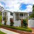 Jennie Garth et Peter Facinelli vendent leur jolie maison de Los Angeles pour la somme de 3,99 millions de dollars.