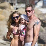Rebecca Gayheart et Eric Dane : Sexy parents qui s'éclatent à la plage