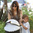 Kourtney Kardashian fait du shopping avec ses enfants Mason et Penelope à Calabasas, le 29 juin 2013