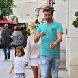 Kourtney Kardashian, Scott Disick et leur fils Mason vont voir un film au cinéma à Calabasas, le 2 juillet 2013.