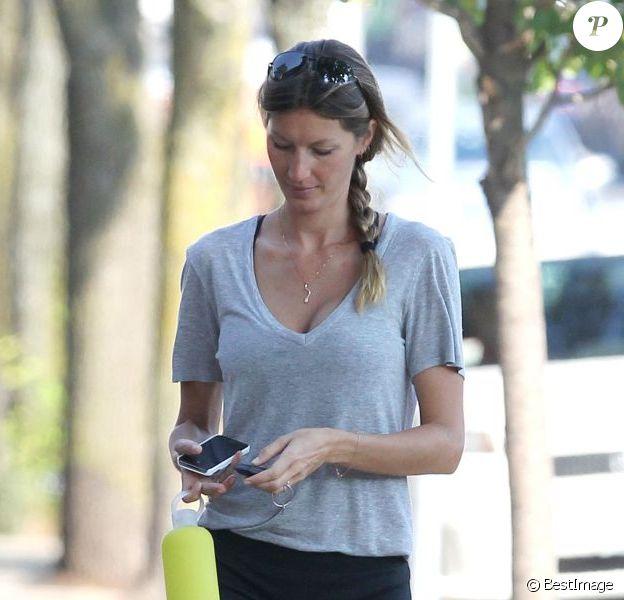 Exclusif - Gisele Bündchen se rend dans une salle de sport à Boston. Le 21 août 2013.