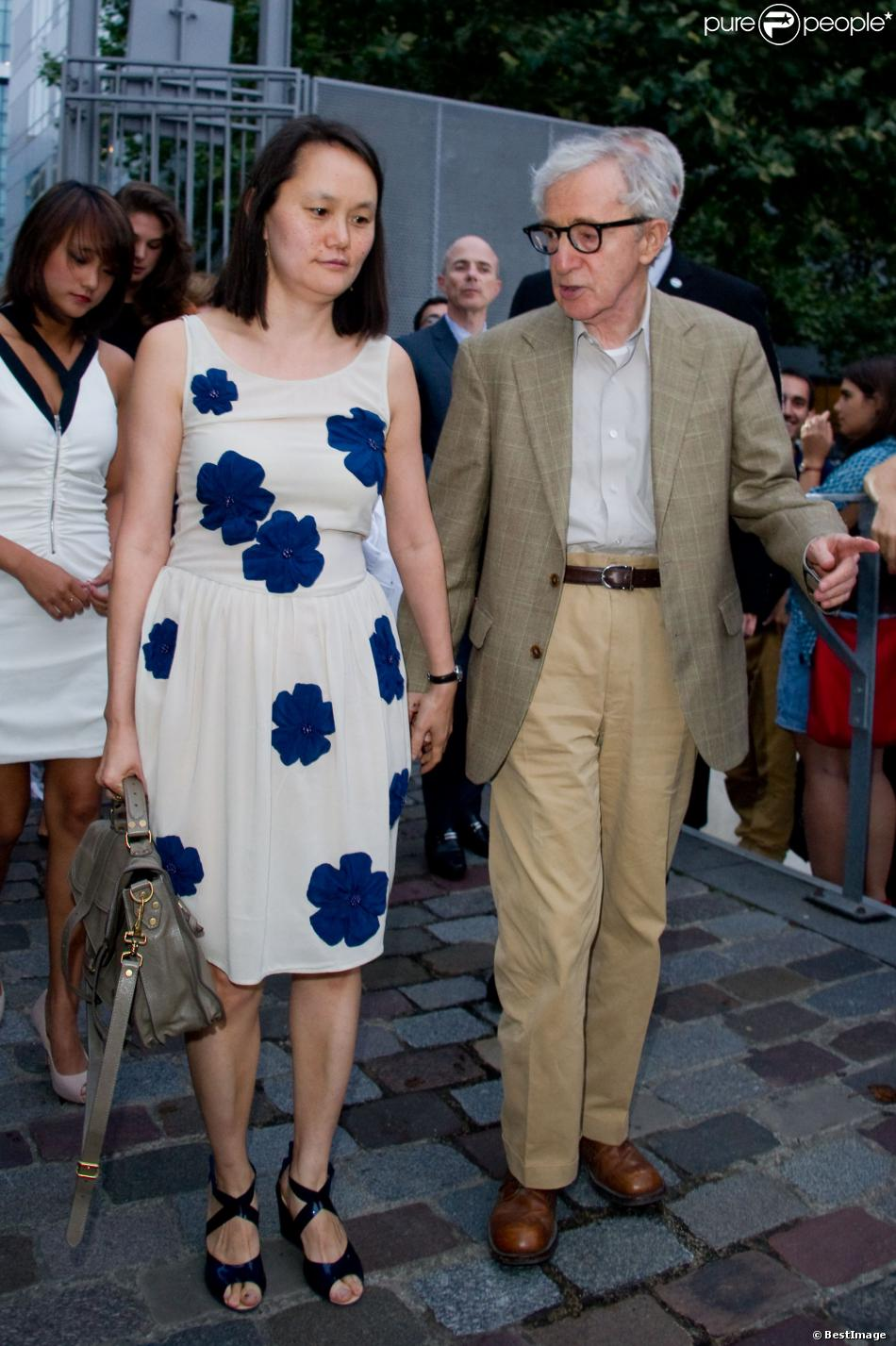 Woody Allen And Soon Yi 2013 2013 10 10  woody allenWoody Allen Soon Yi 2013