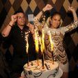 Jennifer Lopez et Casper Smart, fêtent l'obtention du premier Juventud Award de la chanteuse, à Miami, le 18 juillet 2013.