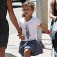 Jessica Alba se rend dans un magasin Target dans le quartier de Westwood avec ses filles Honor et Haven. Los Angeles, le 24 août 2013.