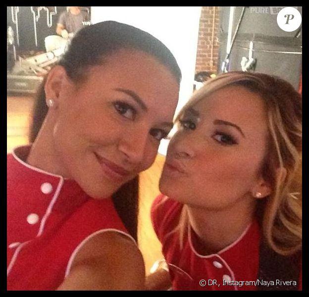 Naya Rivera et Demi Lovato sur le tournage de la 5e saison de Glee, août 2013.
