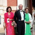 La reine Silvia de Suède, le roi Carl XVI Gustaf de Suède, la reine Sonja de Norvège - Mariage de Gustaf Magnuson (fils de la soeur du roi Carl XVI Gustaf de Suède) et Vicky Andren au château d'Ulriksdals à Stockholm, le 31 août 2013.