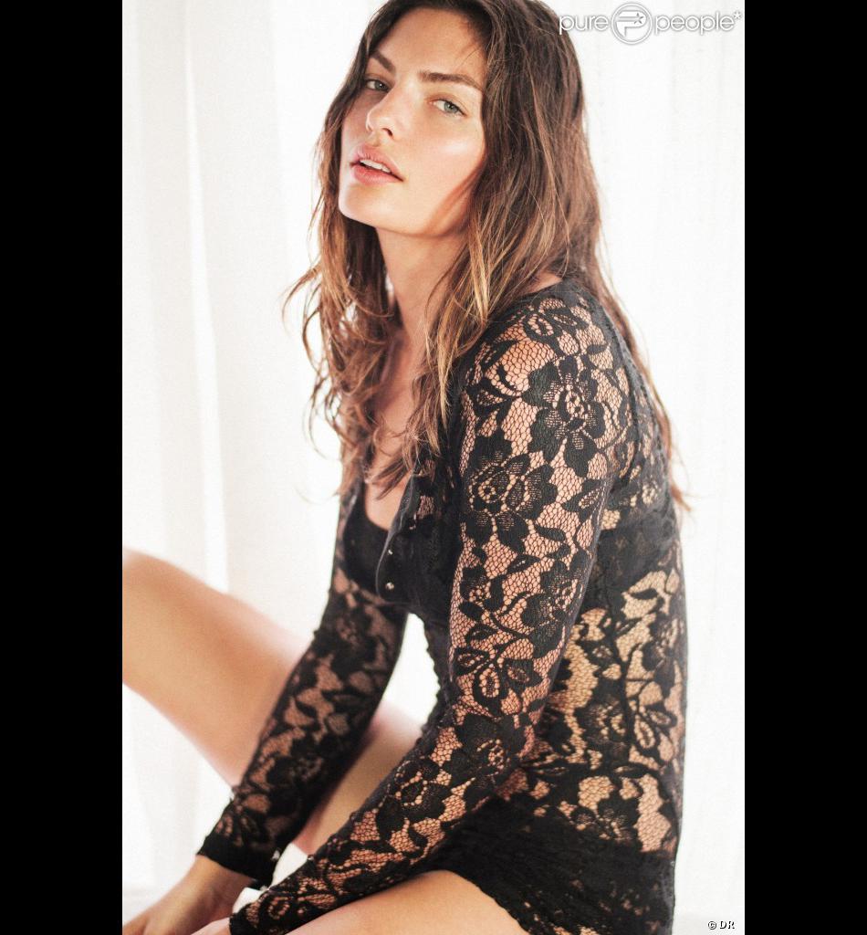 Alyssa Miller pose pour la ligne de lingerie de la marque Free People.