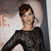 Louise Bourgoin : Mademoiselle tire la langue et ose la délicate transparence