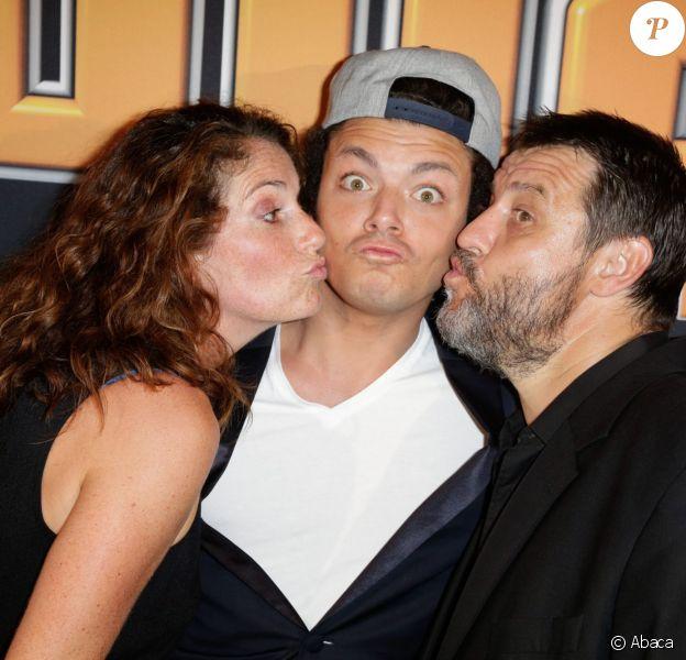 Laurence Oltuski, Kev Adams et Guy Lecluyse au cinéma Gaumont Marignan pour la présentation de la 3e saison de SODA, à Paris, le 6 septembre 2013.