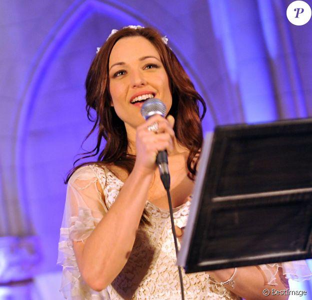 """Showcase de Natasha St-Pier pour la sortie de son nouvel album """"Therese, vivre d'amour"""", à la Chapelle Sainte-Thérèse de la Fondation des Apprentis d'Auteuil, à Paris, le 10 avril 2013."""