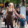 Les fils de Gwen Stefani, Kingston et Zuma avec leur tante Soraya, à Los Angeles, le 8 septembre 2013.