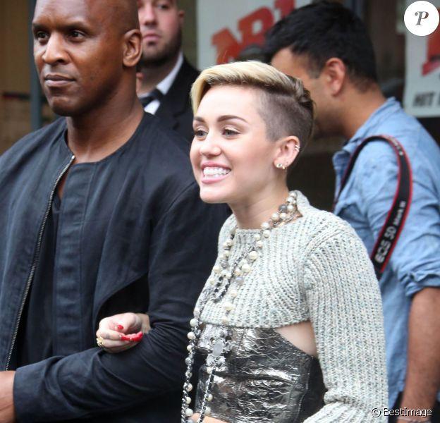 Miley Cyrus à la sortie des studios de la radio NRJ à Paris. Le 9 septembre 2013.
